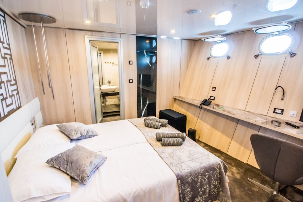 A preview of The Black Swan's lower deck cabin.