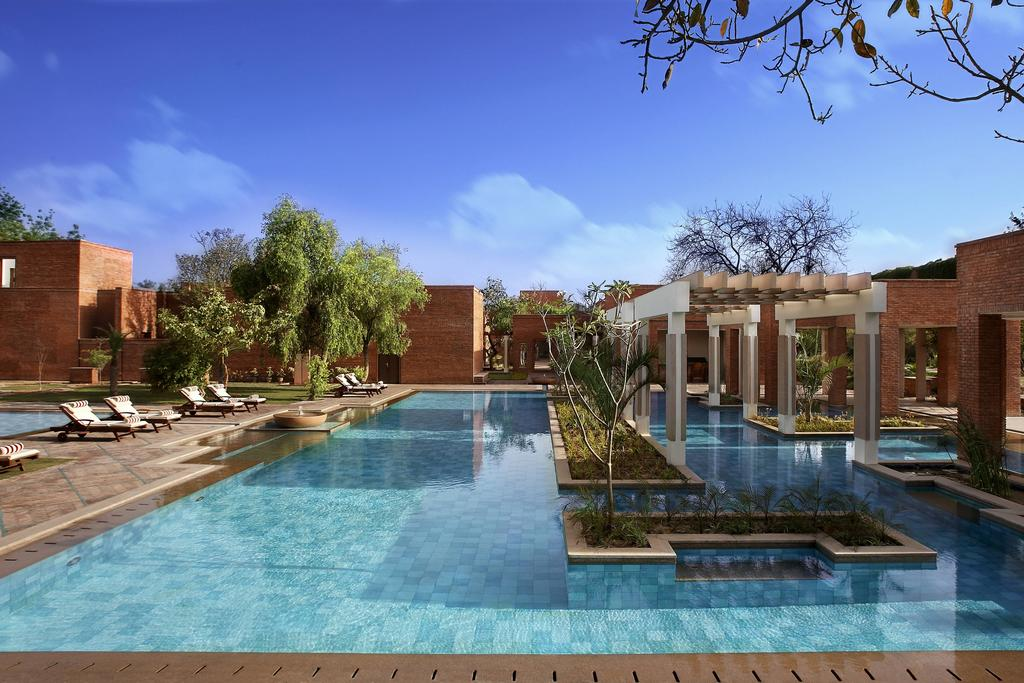 The beautiful pool and gardens at the ITC Mughal Hotel in Agra.