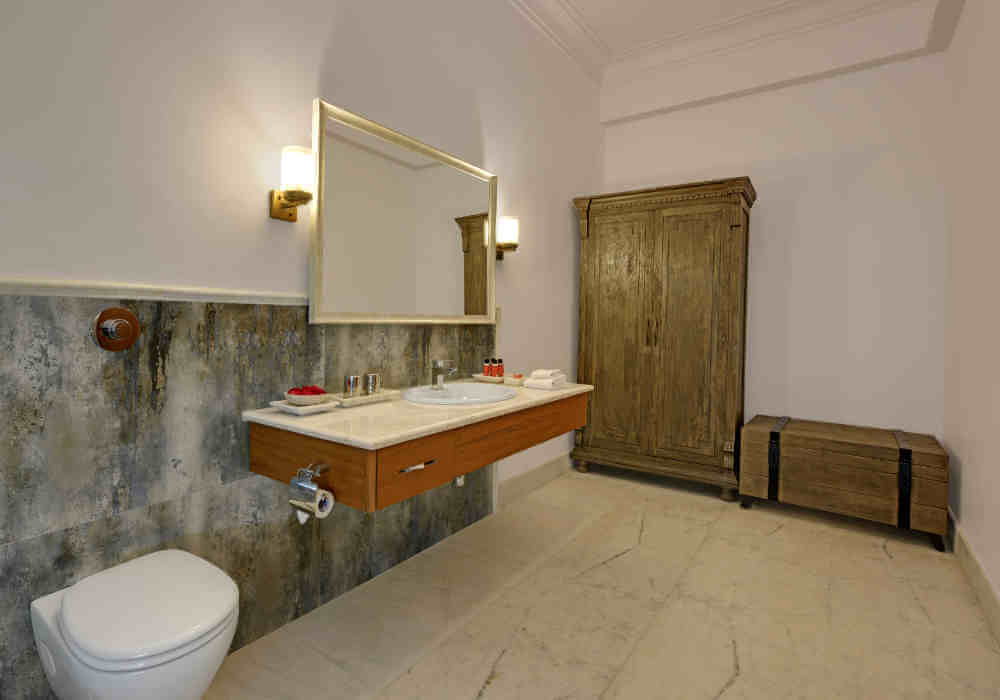 An example of the spacious ensuite bathrooms at the Fate Garh in Udaipur.