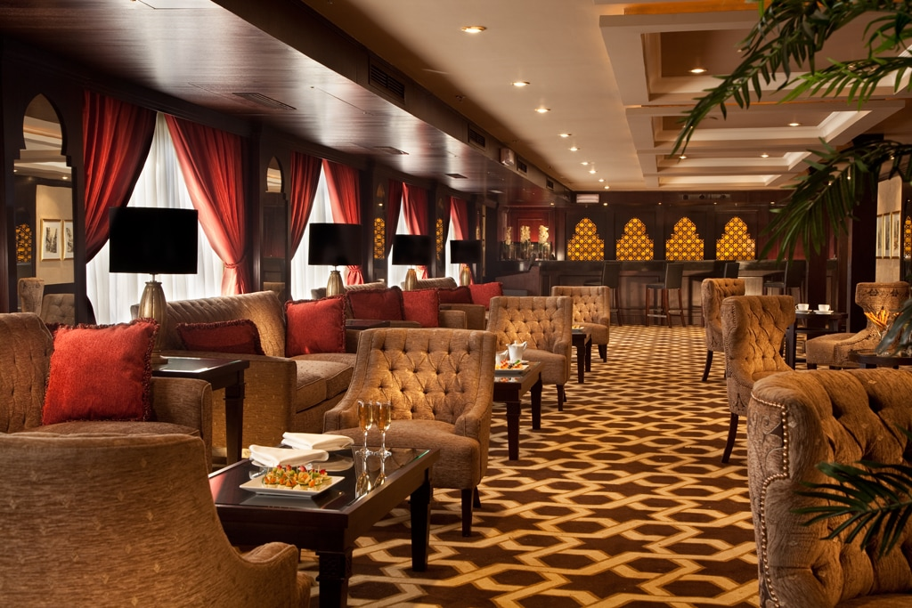 Below deck lounge and bar on the Steinberger Legacy.