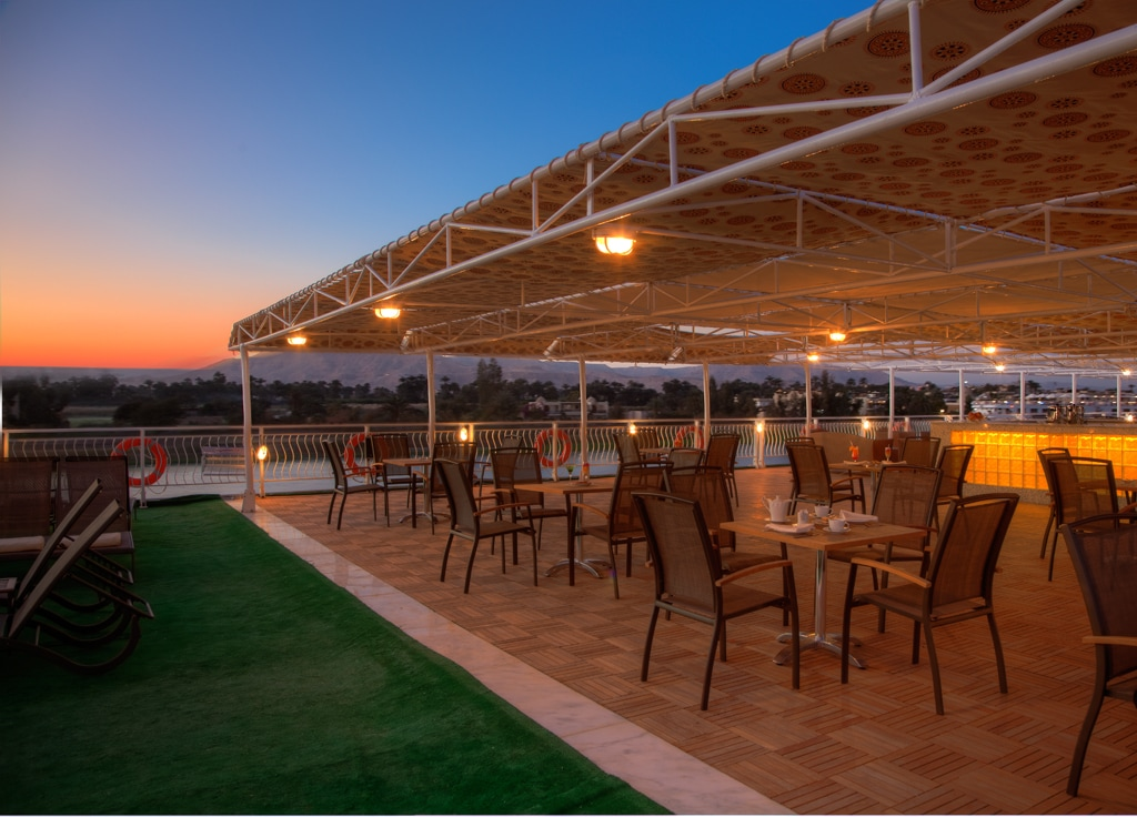 A gorgeous sunset as seen from the Steinberger Legacy's rooftop patio.