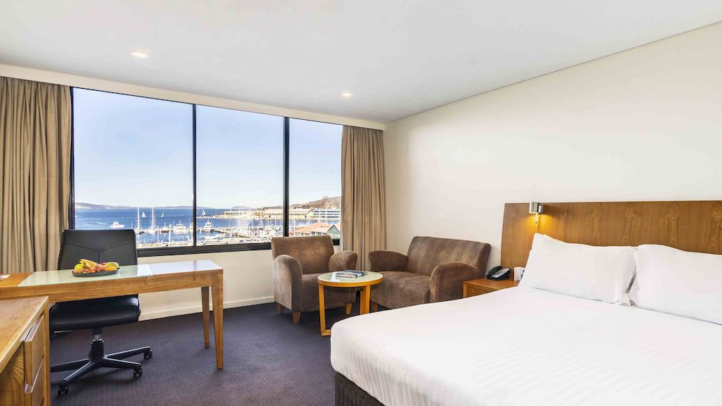 A photo of the standard room at Hotel Grand Chancellor in Hobart.